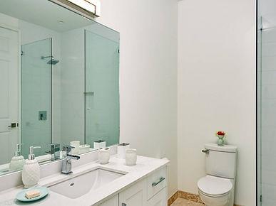 breezy-villa - bathroom 4.jpg