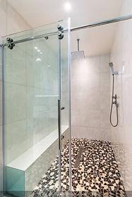 Alainn Shower.jpg
