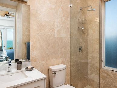 breezy-villa- bathroom3.jpg