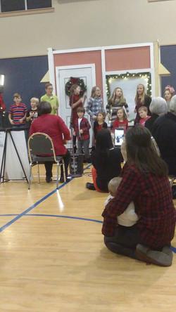 2017-12-3 Kid's choir at Christmas Dinner