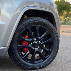 Blackout wheels and Red brake calipers paint service