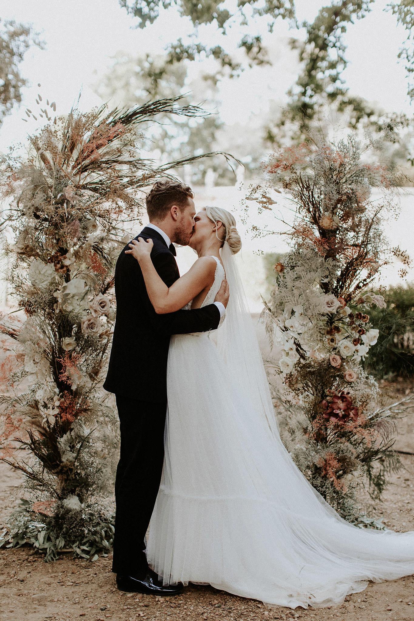 Mari+Rowan_weddingday_00336