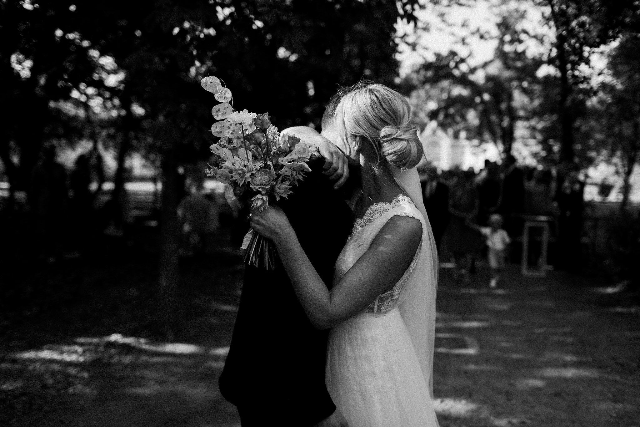 Mari+Rowan_weddingday_00359