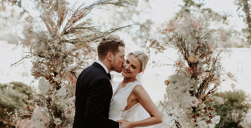 Mari+Rowan_weddingday_00340.jpg