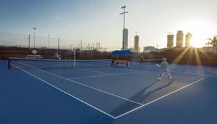 Conoce los beneficios de jugar en las mejores canchas de tenis