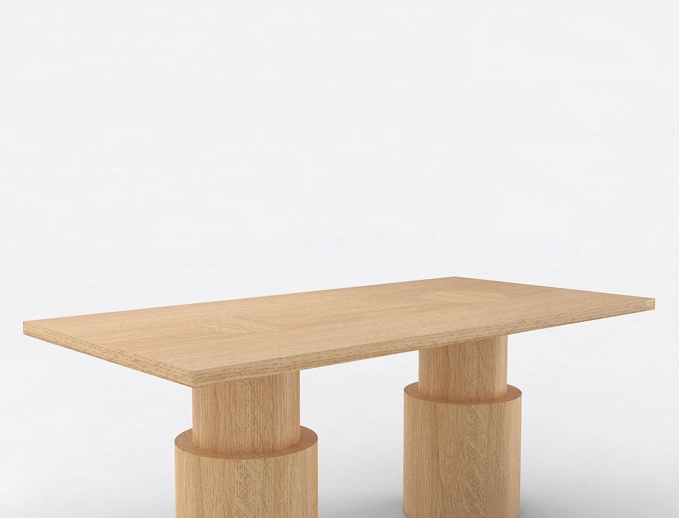 102 Dining Table Oak