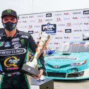 SANTIAGO TOVAR GANA EL TERCER LUGAR EN NASCAR PEAK MEXICO SERIES