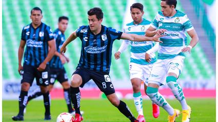 Caída en Torreón. Los Gallos Blancos vieron la derrota ante Santos.