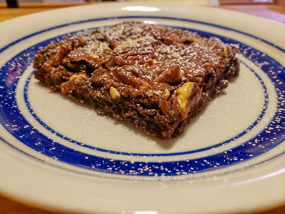 Fudge brownie with pecan and snickers