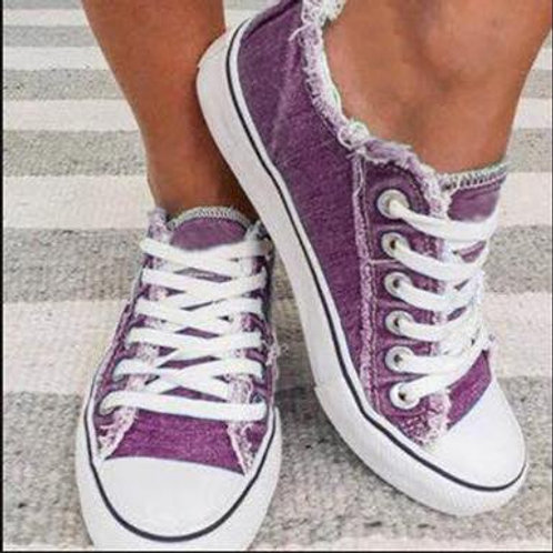 Low-Top Sneakers - Front Laces / Round Toes