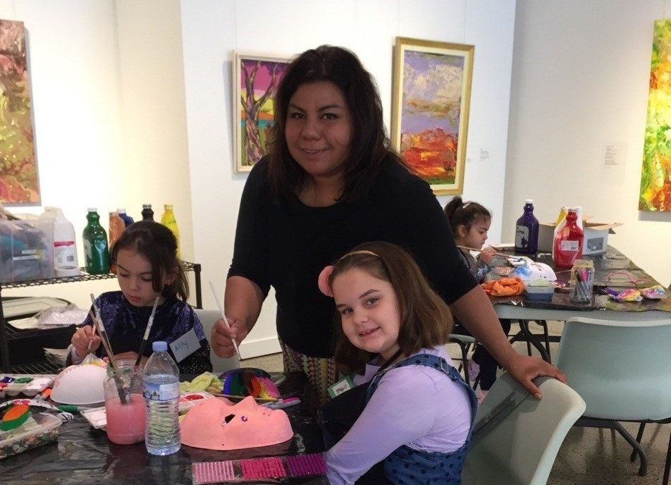 Artist Michelle Valdivia, Award Winning Artist, is changing lives & putting smiles on faces of people who never before had access to Art.