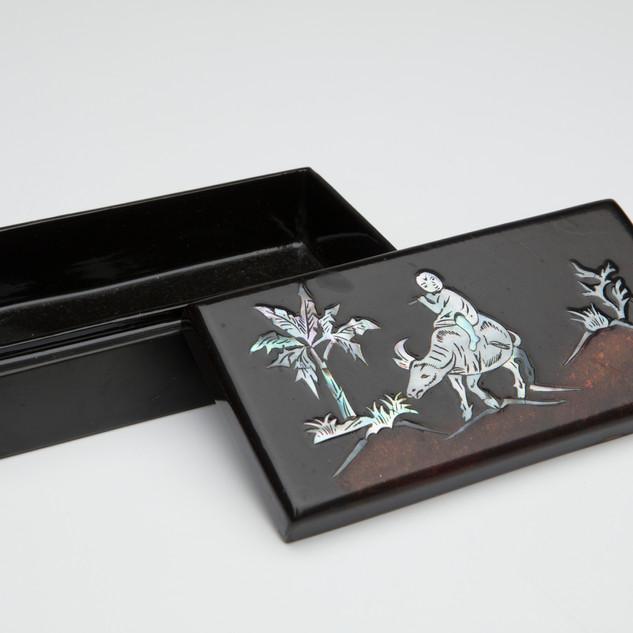 #33 desert scene jewelry box