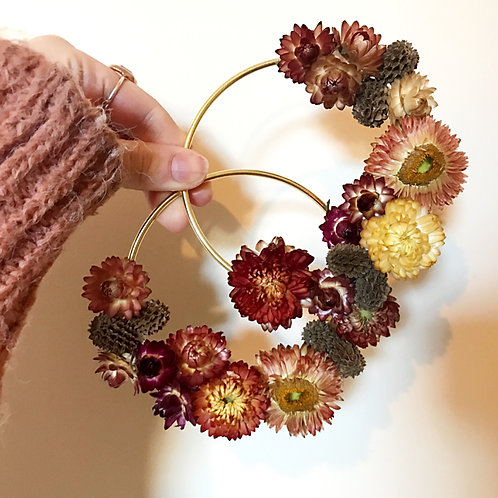 5 Gold Rings Letterbox Dried Flower Hoops
