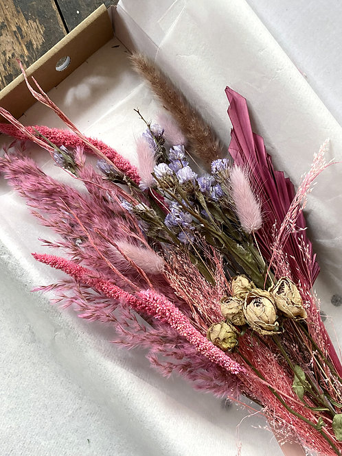 Letterbox Dried Bouquet Perfectly Pink