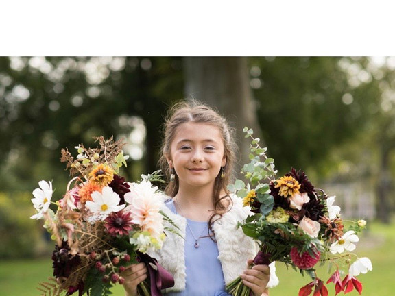 autumn bridal and bridesmaid bouquets seasonal flowers wedding