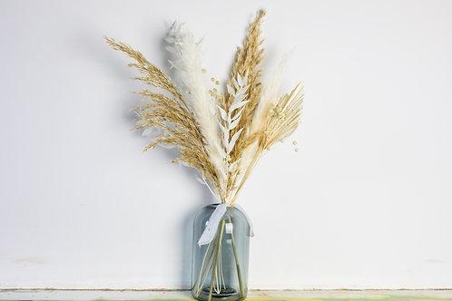 Scandi Letterbox Dried Bouquet