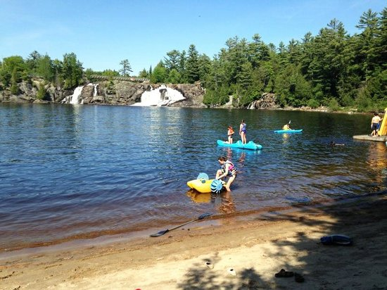 family-fun-inn-muskoka