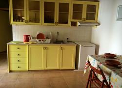 6 kitchen bench