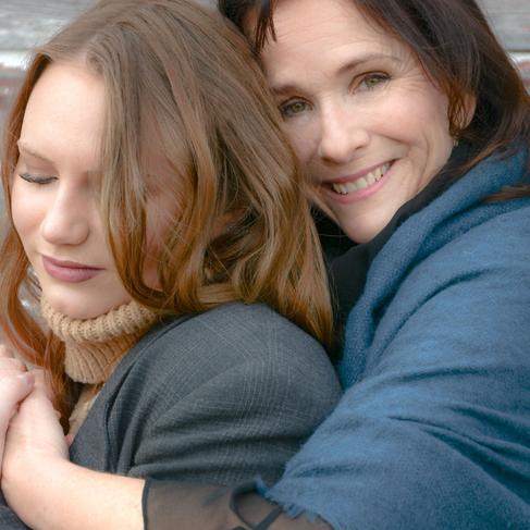(From Left) Tess Adams, Anne Runolfsson