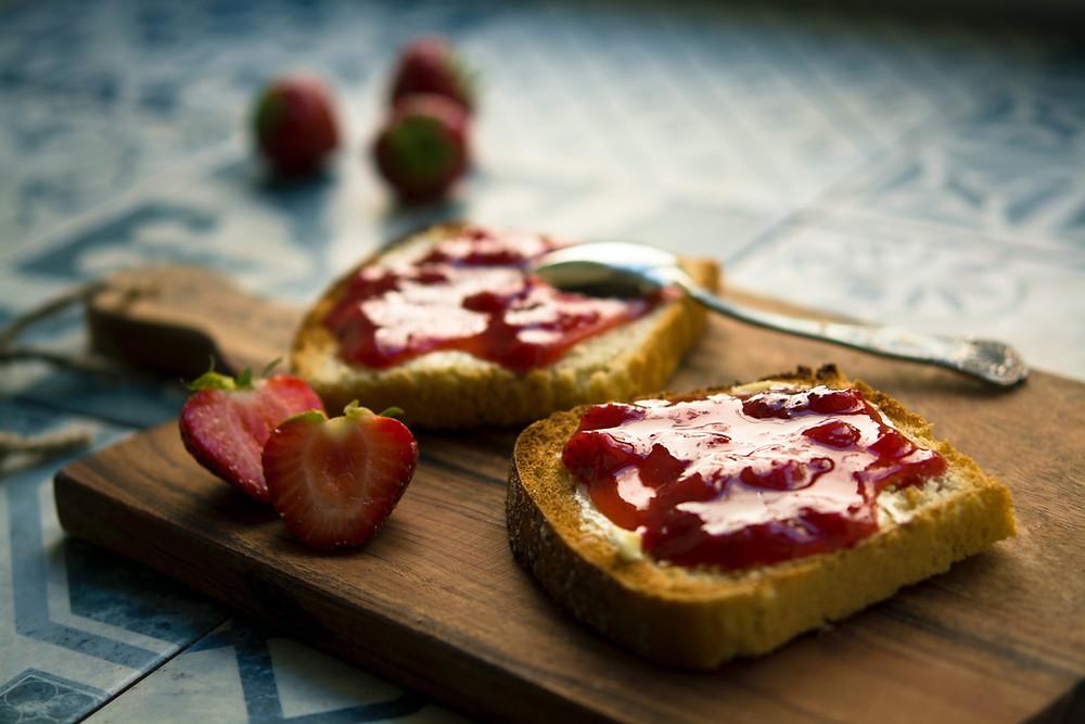 Erdbeer-Konfitüre, Konfitüre, Frühstück, Brotaufstrich, Alternative, Honig