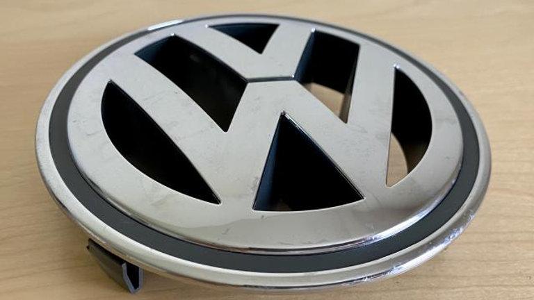 VW JETTA Grille Emblem 150MM Chrome OEM NEW
