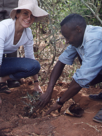 Frances planting trees w Green Beld Movement Kenya.tif