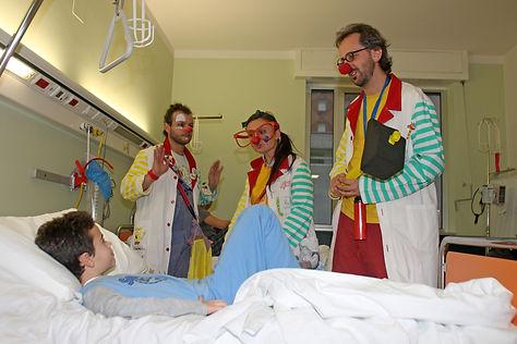 Volontario-Clown-di-corsia60.jpg