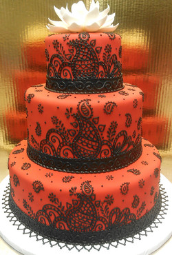 Elegant Paisley Wedding Cake
