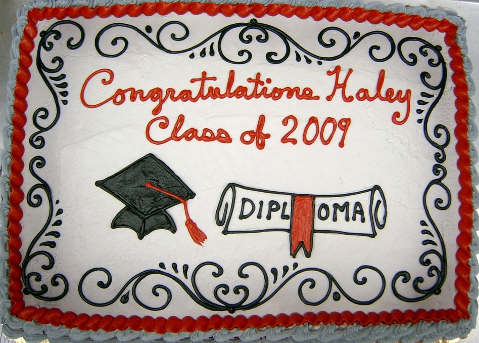 Graduation Cap and Sroll VII Cake
