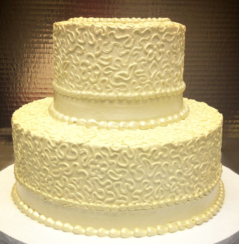 Monotone Filigree Wedding Cake