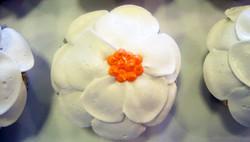 white petal cupcake