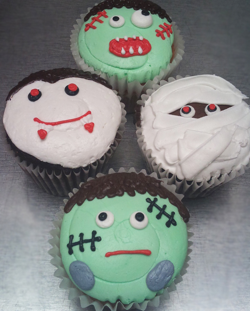 monster halloween cupcakes
