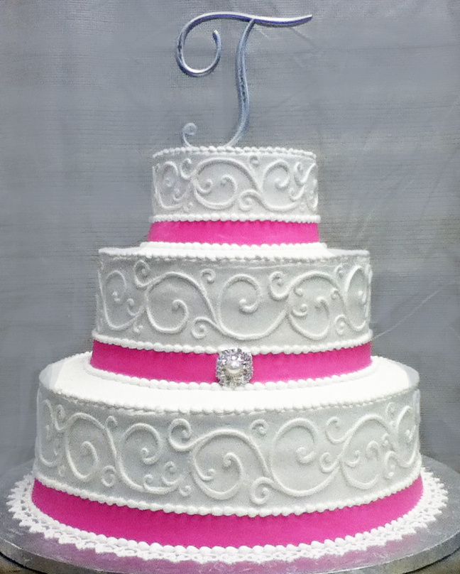 Running Scroll/Brooch Wedding Cake