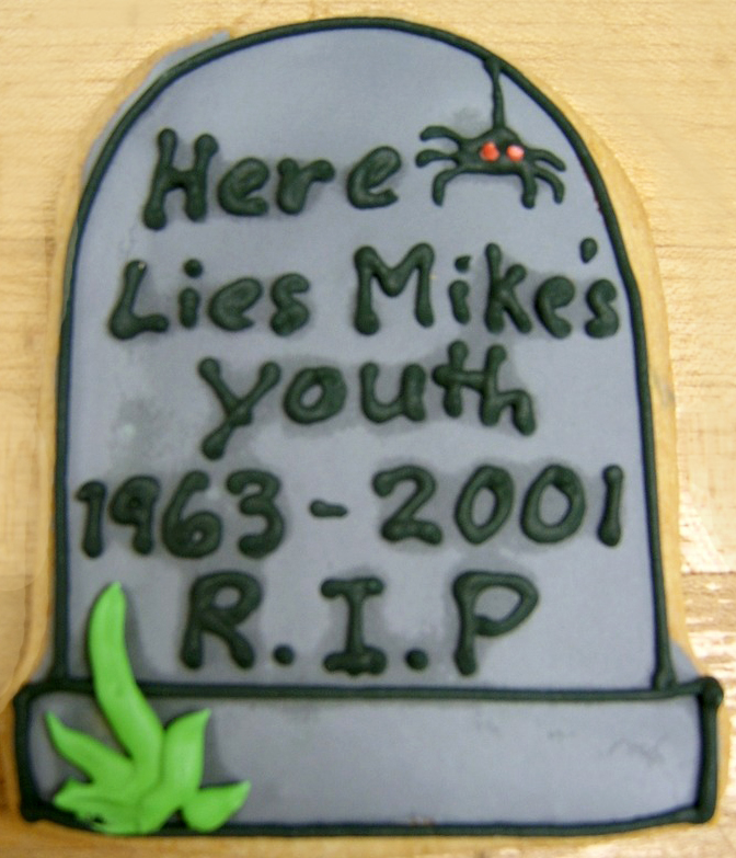 Halloween Tombstone Royal Iced Cooki