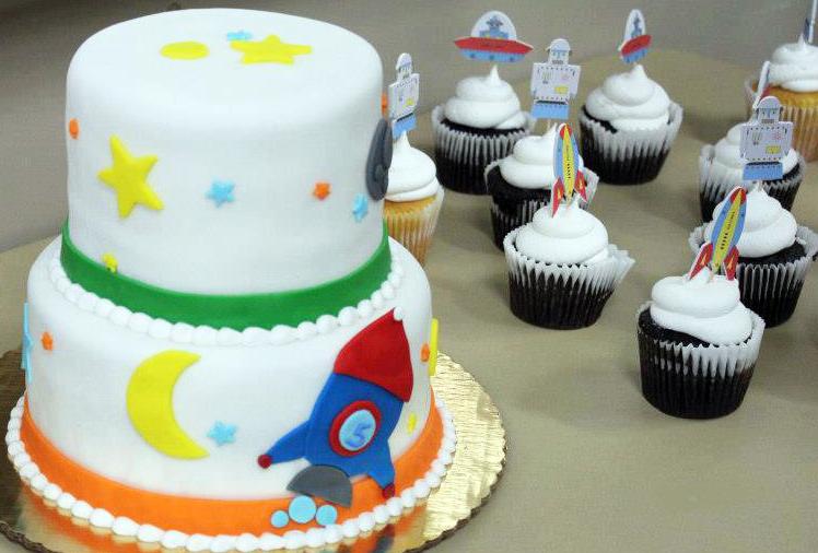 Boy Rocketship Theme Cake