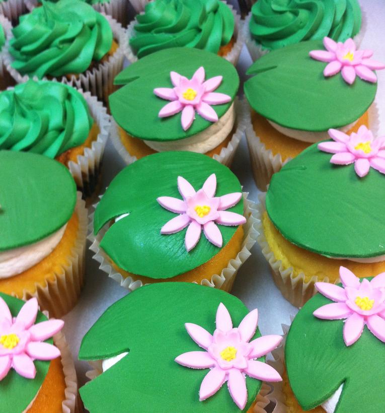 lily pad cupcake