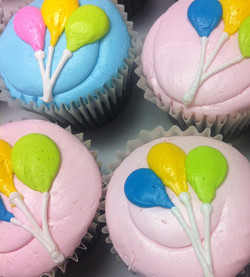birthday balloons cupcakes