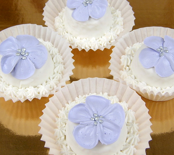 lavender flower cupcakes