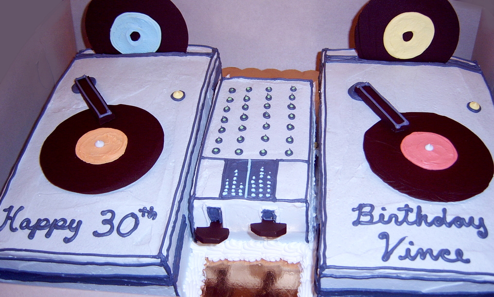 Adult Sculpted Phonograph Cake