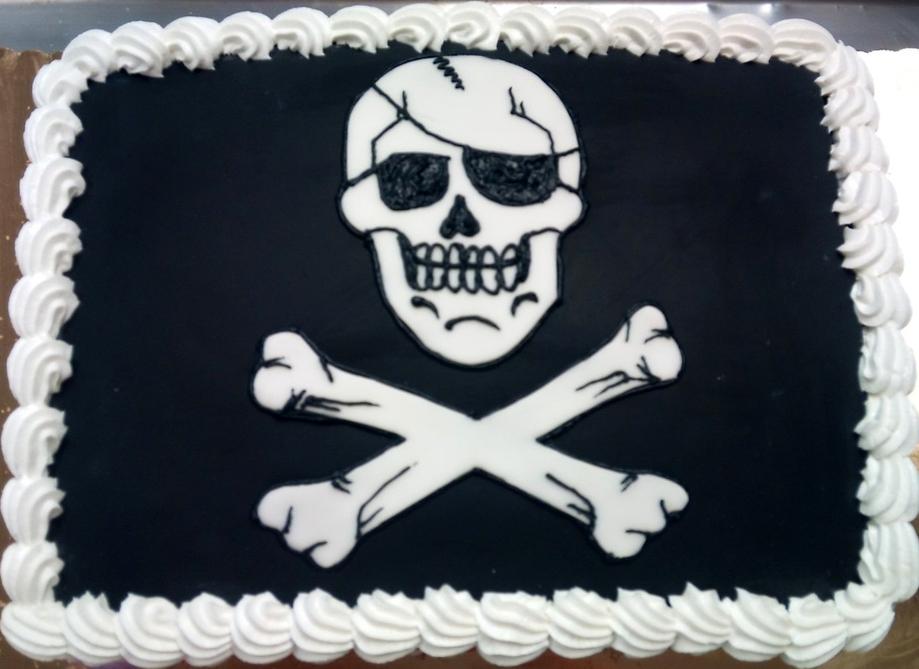 Boy Jolly Roger Cake