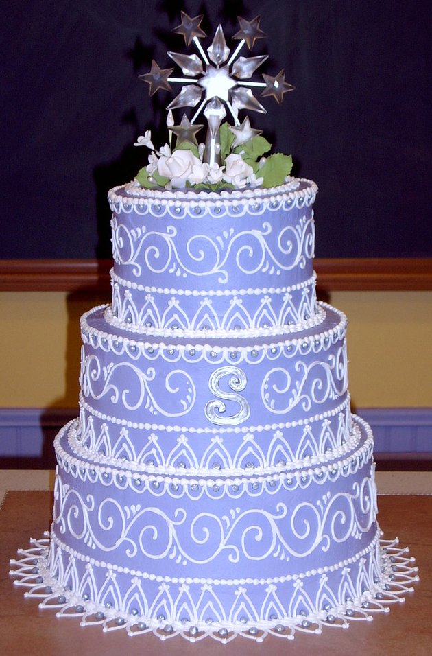 Running Scroll Wedding Cake