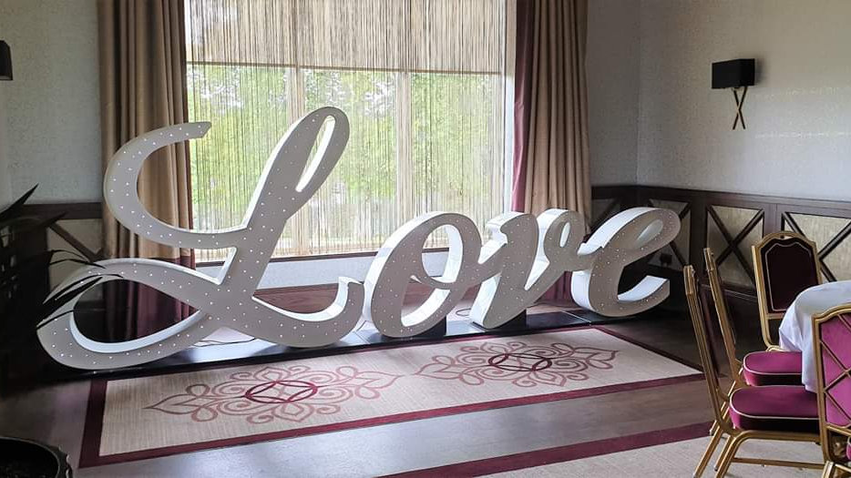 5.5ft Italic Love Letters