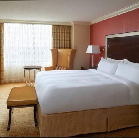 Queen bed room.JPG