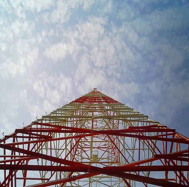 Torre Auto-Suportada com 120 metros