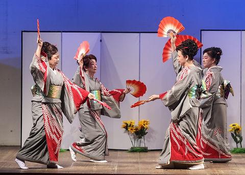 180114_II_Mostra_Fujima_de_Dan%C3%83%C2%A7a_Kabuki_314_Gabriel_Inamine_edited.jpg