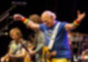 PIC-Jimmy Buffet Taking Bow.JPG