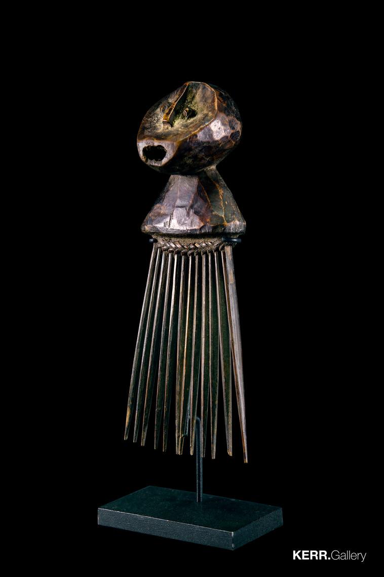 Ngbaka comb (K1232)
