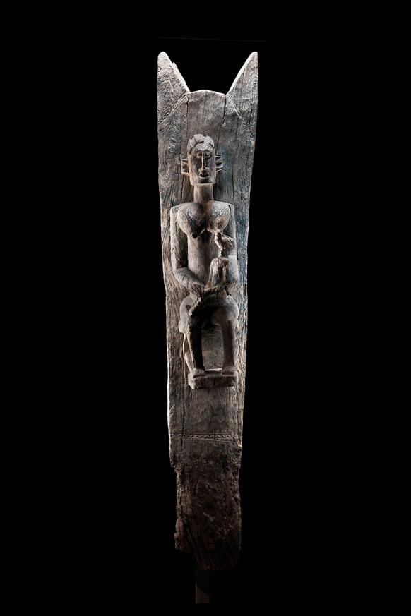 Taguna Maternity Figure (K0001)