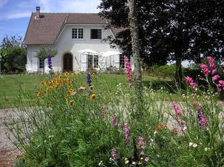 cottage-233016_1920.jpg