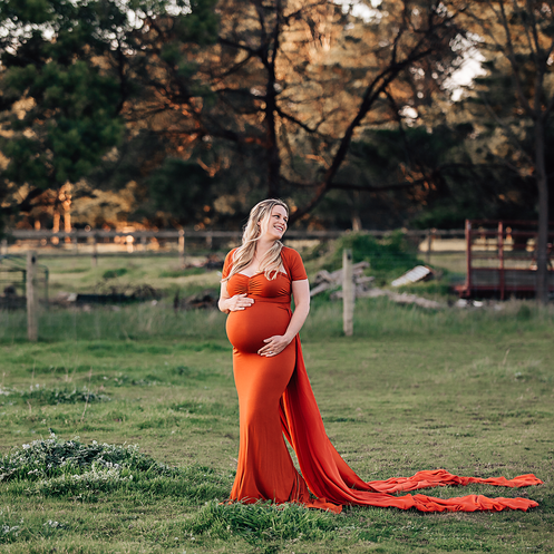 Outdoor-Maternity-Sunest-Orange.png